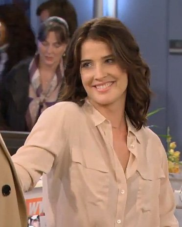 Robin's cream buttonfront blouse on HIMYM season 8