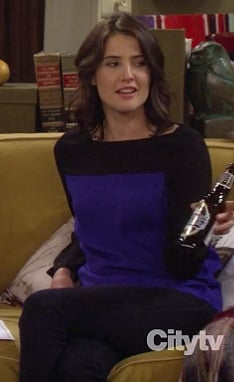 Robin's blue and black colorblock sweater on How I Met Your Mother