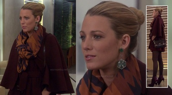 Serena's burgundy coat on Gossip Girl