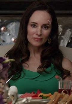 Victoria's green dress on Revenge