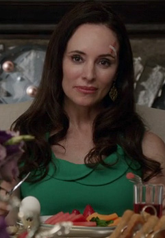 Victoria's green dress with collar on Revenge