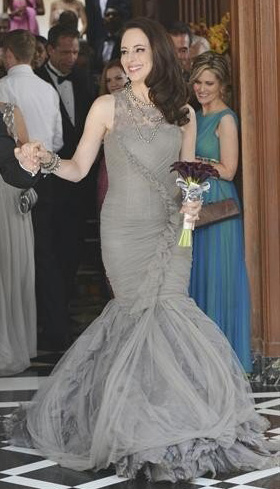 Victoria's grey bridal gown on Revenge