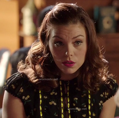 AnnaBeth's black and yellow printed dress on Hart of Dixie