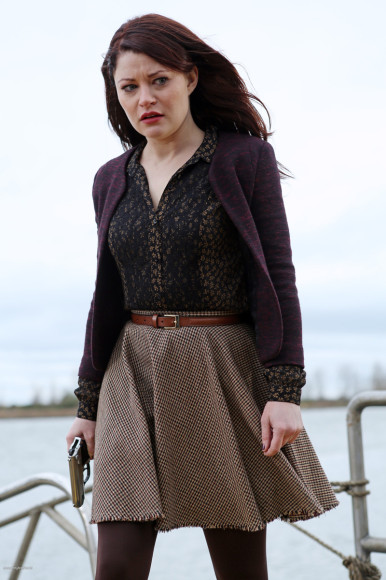 Belle's black and gold shirt and brown skirt on OUAT
