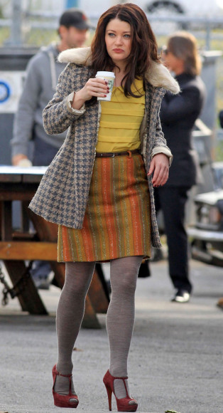 Belle's orange and green striped wool skirt on OUAT