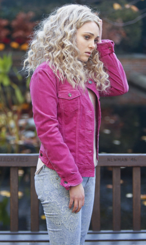 Carrie's hot pink denim jacket on The Carrie Diaries