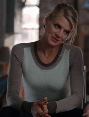 Jane's grey colorblock sweater on Happy Endings