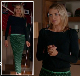 Jane's green printed pants and black shoulder button top on Happy Endings