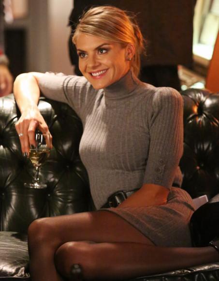 Jane's grey turtleneck knit dress on Happy Endings