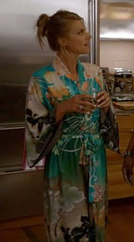Jane's teal green/multi silk bathrobe on Happy Endings