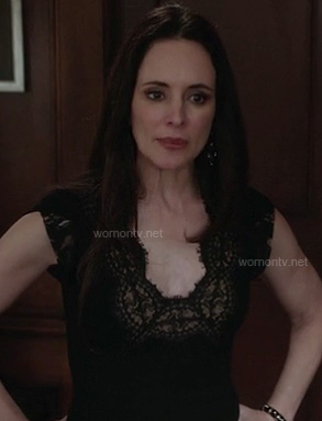 Victoria's black lace dress on Revenge