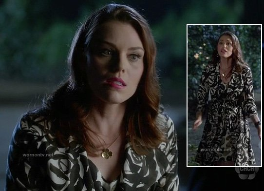AnnaBeth's black and white rose print coat on Hart of Dixie