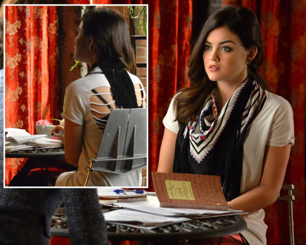 Aria's gold stud earrings and scarf with fringed back on PLL