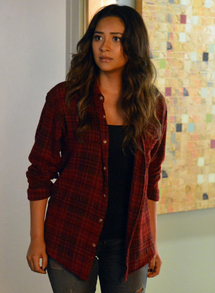 Emily's red check shirt on Pretty Little Liars
