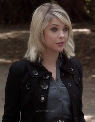 Hanna's black coat with big black buttons on PLL