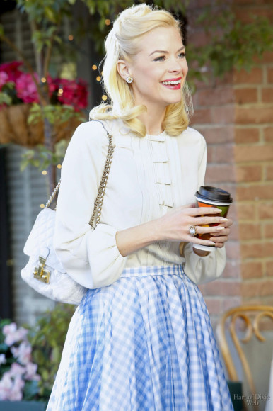 Lemon's blue gingham check skirt and white blouse on Hart of Dixie