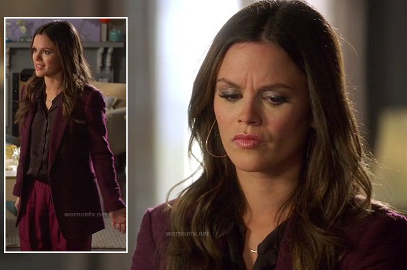 Zoe's long burgundy/oxblood blazer on Hart of Dixie
