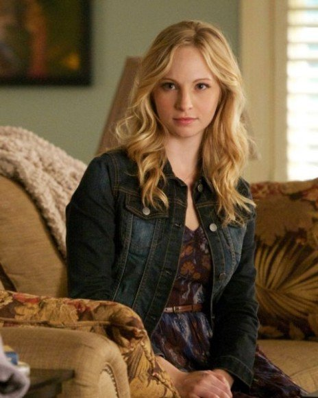 Caroline's purple floral dress at denim jacket on The Vampire Diaries