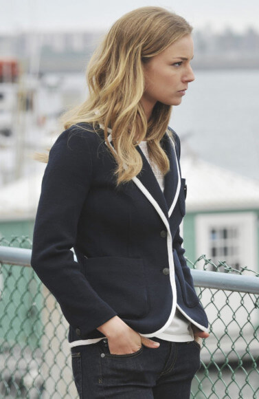 Emily's black blazer with white contrast trim on Revenge