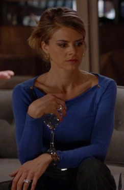Jane's blue boatneck top with shoulder buttons on Happy Endings