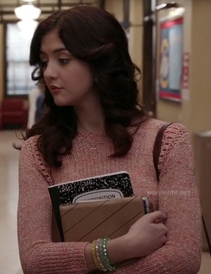 Maggie's pink knit sweater on The Carrie Diaries