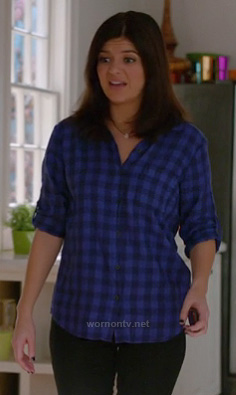 Penny's blue gingham check shirt on Happy Endings