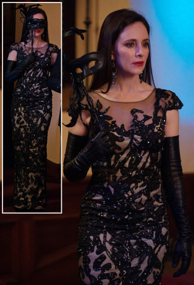 Victoria's black gown at the masquerade ball on Revenge