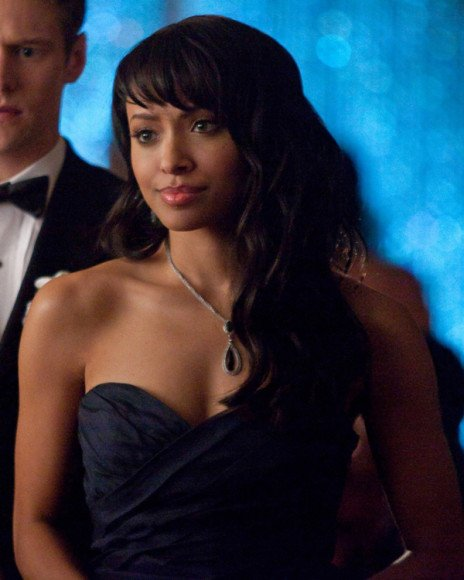 Bonnie's navy blue prom dress on The Vampire Diaries