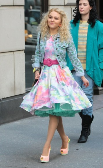 Carrie's pink watercolor dress and studded denim jacket on The Carrie Diaries
