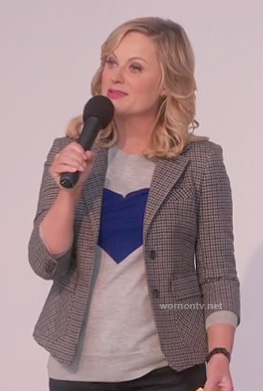 Leslie's grey sweater with blue heart on Parks & Recreation