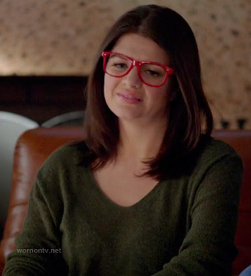 Pennys green sweater at the end of Happy Endings