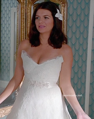 Penny's wedding dress on Happy Endings