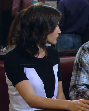 Robin's black and white chevron colorblock top on HIMYM