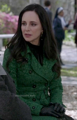 Victoria's green lace trench coat on Revenge