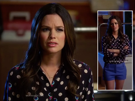 Zoe's black dot print shirt and blue shorts on Hart of Dixie