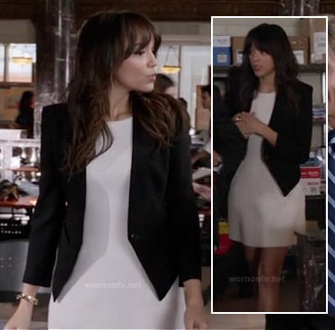 Ashley's black blazer with high back on Revenge