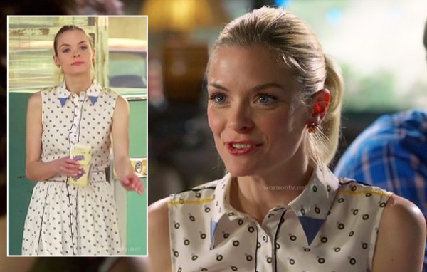 Lemon's polka dot shirt dress with blue collar on Hart of DIxie