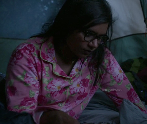 Mindy's pink floral pajamas on The Mindy Project
