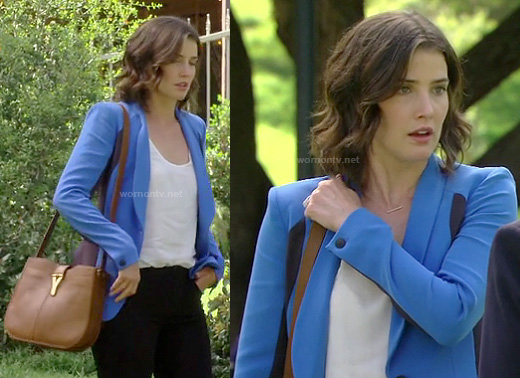 Robin's blue and navy colorblock blazer on How I Met Your Mother