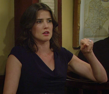 Robin's black cap sleeve dress with cowl neck on HIMYM