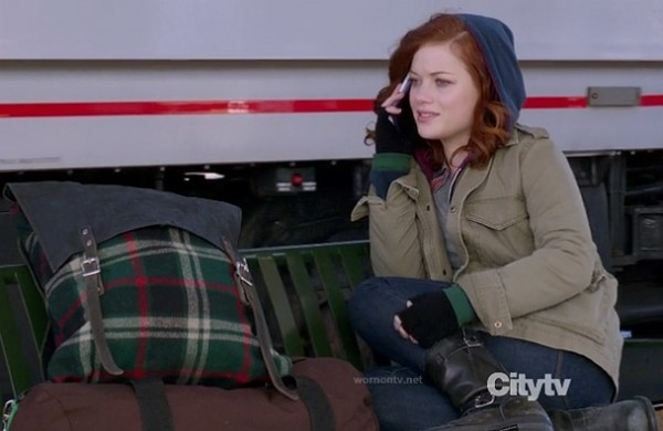 Tessa's black boots on Suburgatory