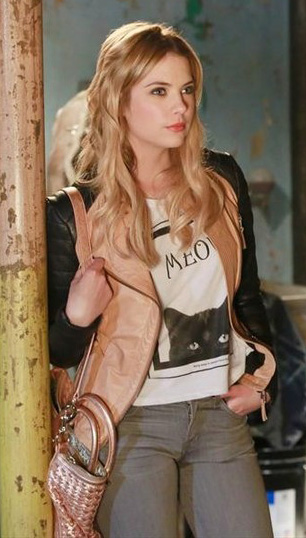 Wornontv hanna s meow cat shirt on pretty little liars