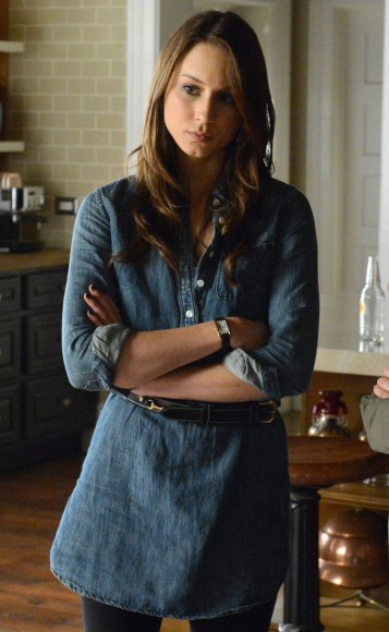 Spencer's denim shirt dress on PLL