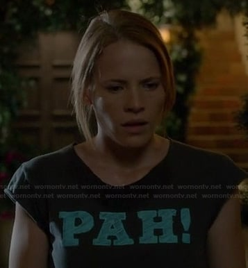 "Daphne's ""PAH!"" shirt on Switched at Birth"