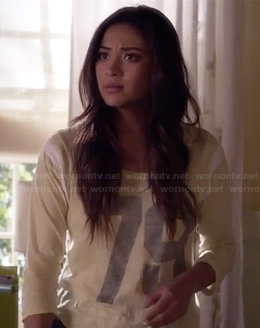 "Emily's yellow ""79"" tee on Pretty Little Liars"