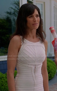 Minnie's white scalloped bandage dress on Royal Pains