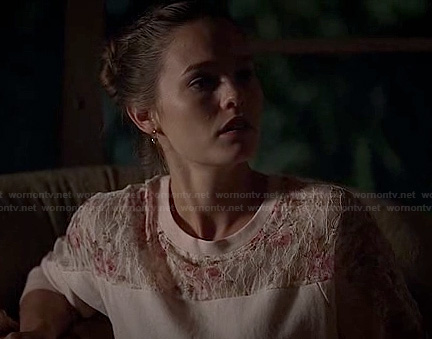Adilyn's pink lace sweater on True Blood