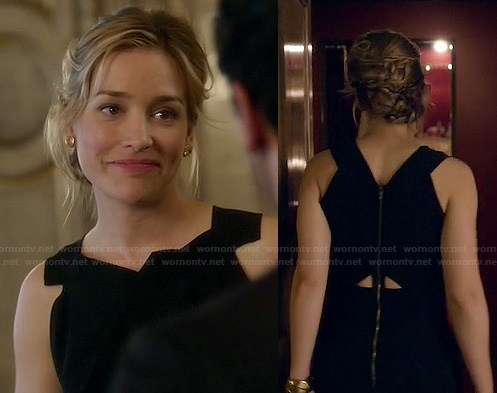 Annie's black gown with back cutouts and zip on Covert Affairs