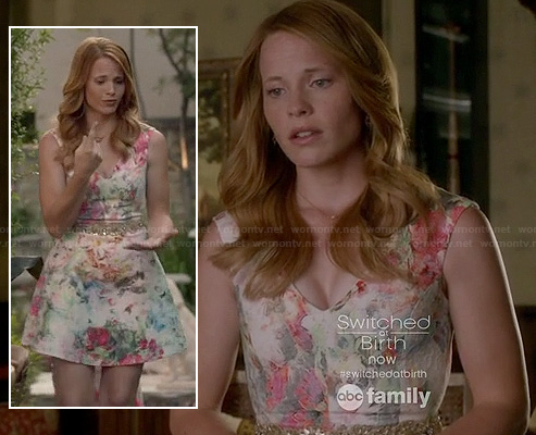 Daphne's floral v-neck flared dress on Switched at Birth