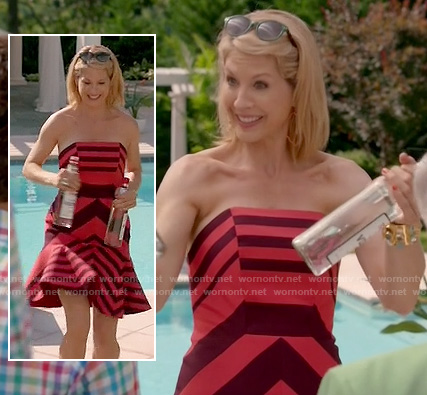 Jenna Elfman (Lacey)'s red and pink striped strapless dress on Royal Pains